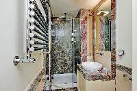 neat and trim lavatory in Rome - Boccaccio Trevi Fountain 2BR luxury apartment