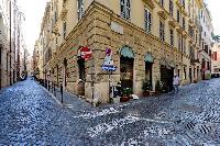 fascinating neighborhood of Rome - Boccaccio Trevi Fountain 2BR luxury apartment