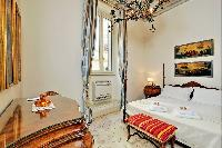 lovely Rome - Boccaccio Trevi Fountain 2BR luxury apartment