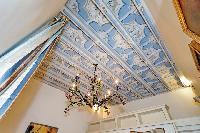amazing chandelier in Rome - Boccaccio Trevi Fountain 2BR luxury apartment Rome - Boccaccio Trevi Fo