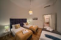 clean bedroom linens in Rome - Popolo Villa Borghese View luxury apartment