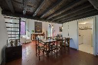 well-appointed Rome - Clementina Colosseum 1BR luxury apartment