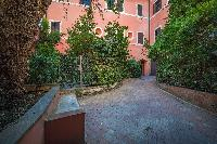 lovely surroundings of Rome - Clementina Colosseum 1BR luxury apartment