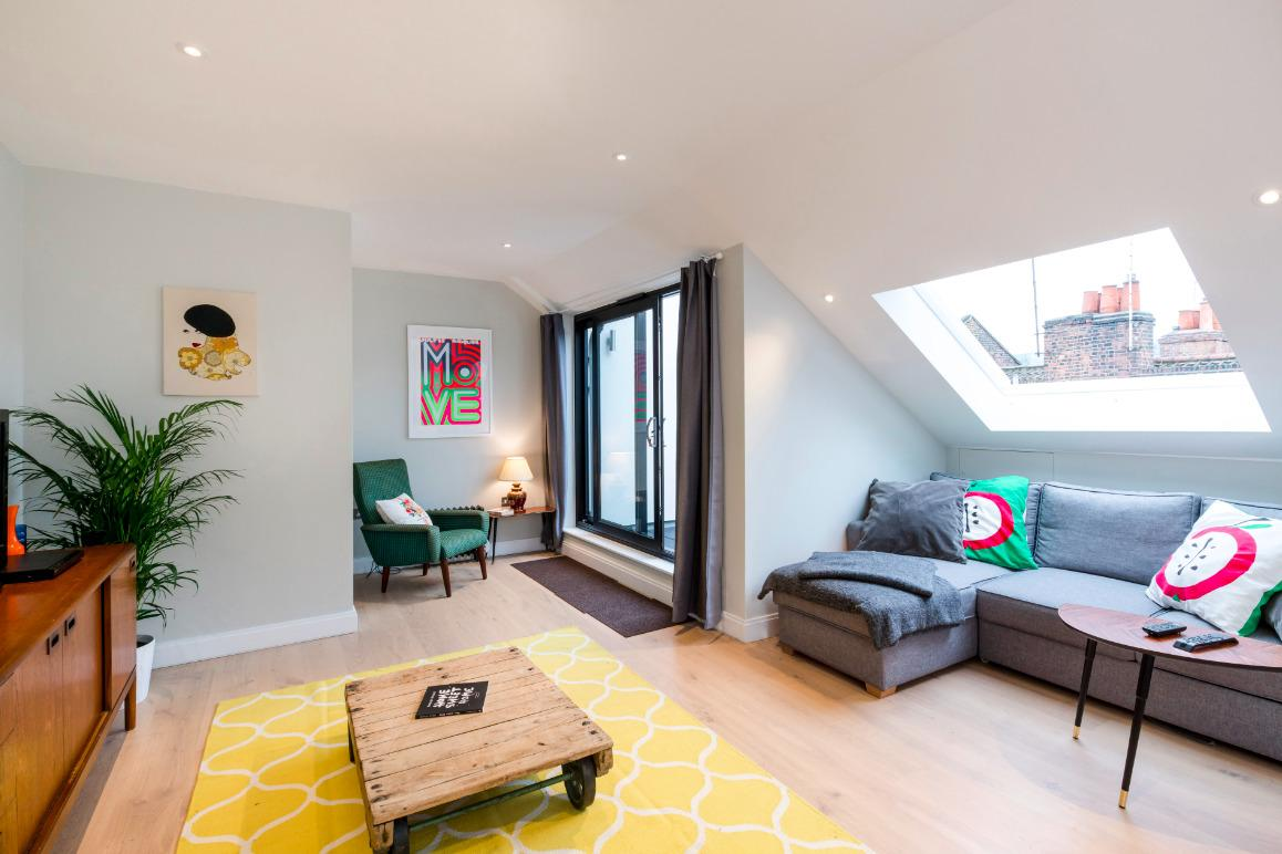 beautiful London Hanbury Street 2BR luxury apartment and holiday home