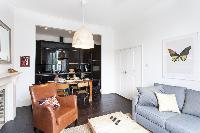 pretty sitting area in London Stylish Camden 2 BR luxury apartment