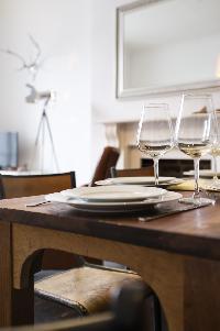 fine dinnerware in London Stylish Camden 2 BR luxury apartment