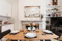 charming dining area in London Stylish Islington luxury apartment