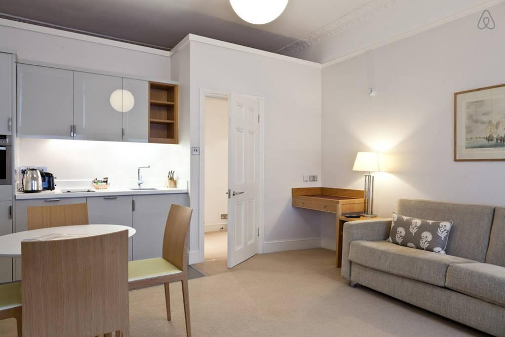 serene and snug London Doughty 1 Bedroom luxury apartment