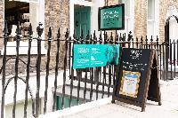 charming neighborhood of London Doughty 2 Bedroom luxury apartment