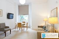 charming and chic London Doughty 2 Bedroom luxury apartment and vacation rental