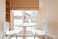 lovely dinette in London Doughty Double Studio luxury apartment