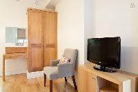 awesome furniture and appliances in London Doughty Double Studio luxury apartment