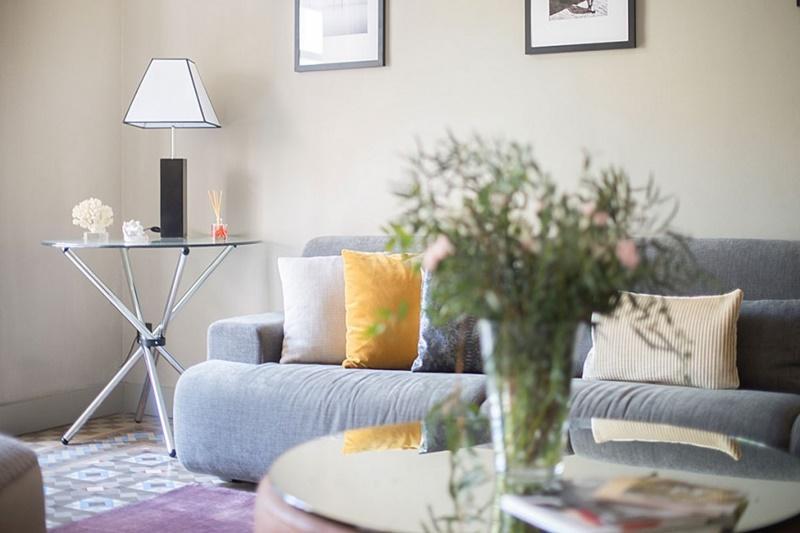 chic Barcelona - Luxury Cornelia luxury apartment and holiday home
