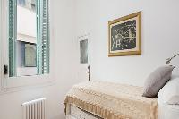 clean and fresh bedroom linens in Barcelona - Modern Eliseos luxury apartment