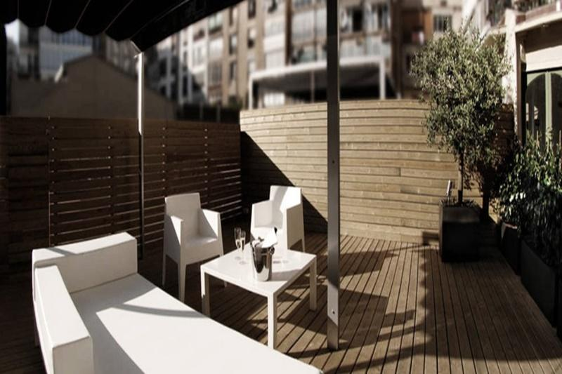 nice Barcelona - Modern Eliseos luxury apartment and vacation rental