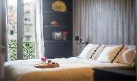 clean and fresh bedroom linens in Barcelona - Luxury Iggy luxury apartment