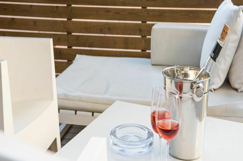 well-appointed Barcelona - Elegant Julieta luxury apartment