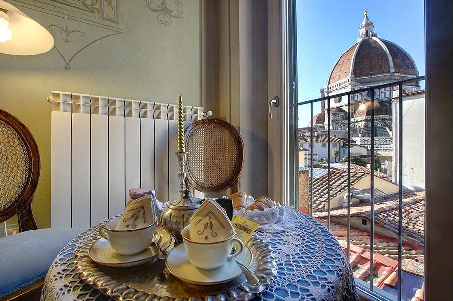 beautiful Tuscany - Florence Cupido 1BR luxury apartment and holiday home