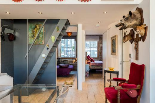 neat and nice London Framery Loft luxury apartment and vacation rental