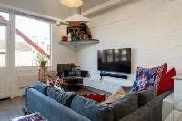 nice and neat London Framery Loft luxury apartment and holiday home