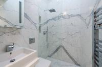 neat and trim shower area in London Framery Loft luxury apartment