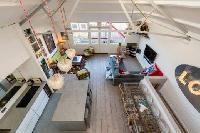 tall ceiling of London Framery Loft luxury apartment