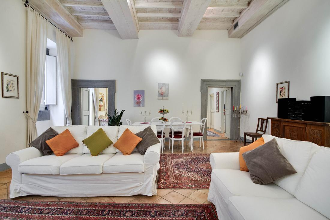 charming living room of Rome - Stunning Navona luxury apartment