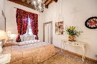 fabulous Rome - Via della Croce III luxury apartment and vacation rental