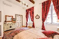 fully furnished Rome - Via della Croce III luxury apartment