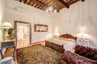 well-appointed Rome - Via della Croce III luxury apartment