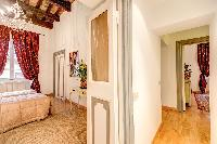 spacious Rome - Via della Croce III luxury apartment