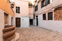 cool neighborhood of Venice - Charming Magic Venice luxury apartment