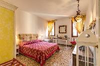 tasteful furnishings in Venice - Charming Magic Venice luxury apartment