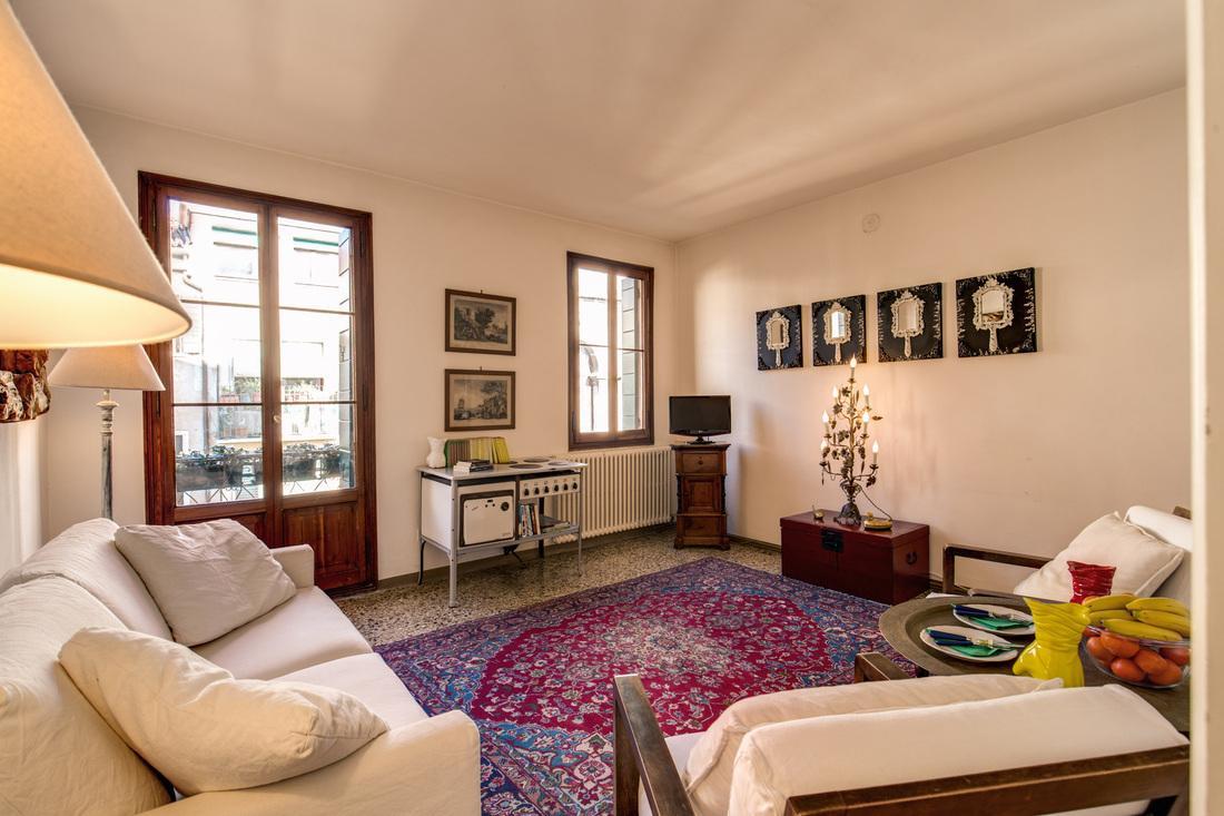 delightful living room of Venice - Charming Magic Venice luxury apartment