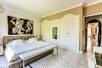 cool master bedroom in Cannes - Palm Spring Villa luxury apartment