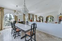 pleasant dining room of Cannes - Palm Spring Villa luxury apartment