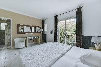 nice en-suite bedroom in Cannes - Palm Spring Villa luxury apartment