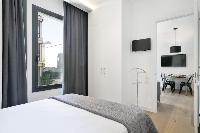 fresh and clean bedroom linens in Barcelona - Deluxe Palou 4 luxury apartment