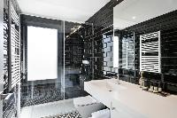 dapper bathroom with rain shower in Barcelona - Deluxe Palou Penthouse luxury apartment