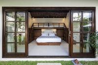 clean and crisp bedding in Bali - Villa Tjitrap luxury apartment