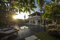 lush and lovely grounds of Bali - Villa Tjitrap luxury apartment