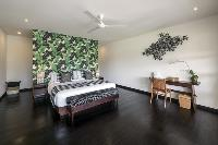 clean and fresh bedroom linens in Bali - Villa Tjitrap luxury apartment