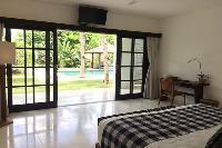 sunny and airy Bali - Villa Tjitrap luxury apartment