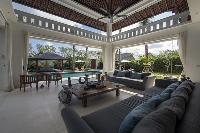 bright and breezy Bali - Villa Tjitrap luxury apartment
