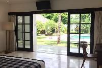 airy and sunny Bali - Villa Tjitrap luxury apartment