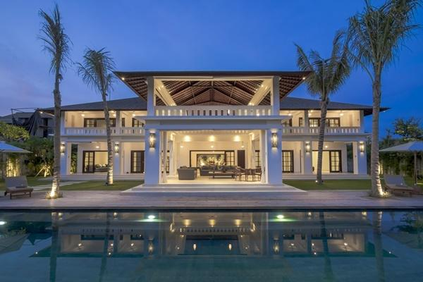 magnificent Bali - Villa Tjitrap luxury apartment and vacation rental