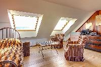 twin bedroom windows of Brittany - Luxury Sailor House