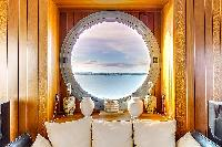 cool porthole in Brittany - Luxury Sailor House