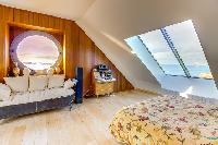 plush bedroom sofa in Brittany - Luxury Sailor House