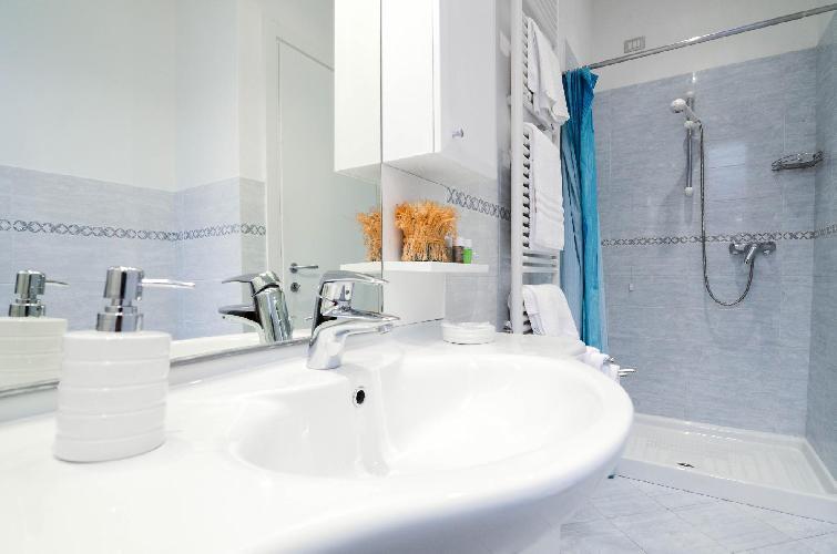 neat Italy - Bellagio Lake Como luxury apartment